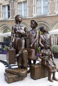 Kindertransport Memorial outside Liverpool Street Station, London, by Frank Meister (2006)
