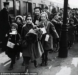 Jewish refugee children arrive in London in February 1939 [Photo: Gamma-Keystone via Getty Images]